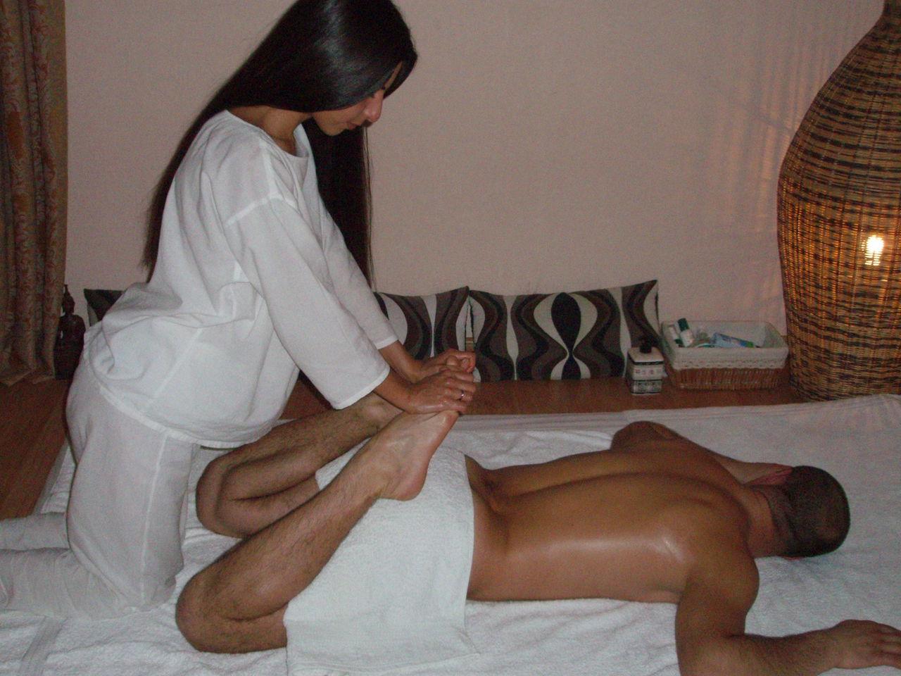 Расслабляющий массаж в усть-каменогорске женщины ванной снятое